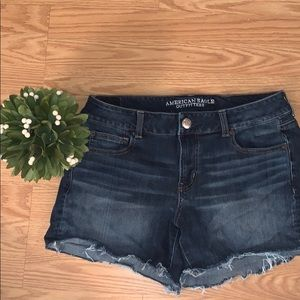 American Eagle frayed jean shorts